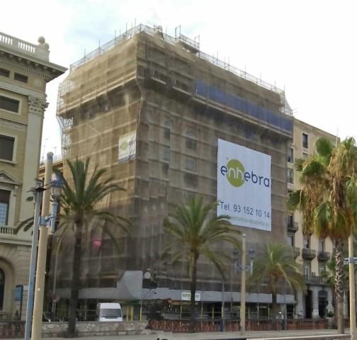 Iniciem les obres de rehabilitació de façana en el Passeig Colom de Barcelona